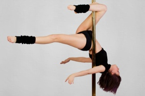 fitness-pole-dancer